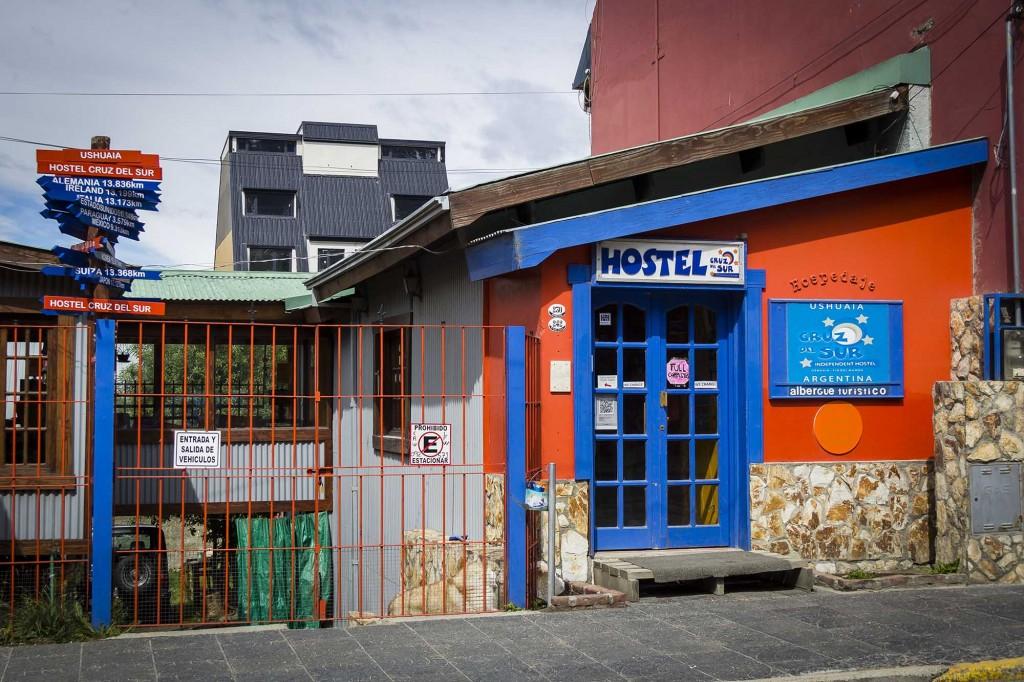 Ushuaia - Hostel Cruz del Sur - Fachada2