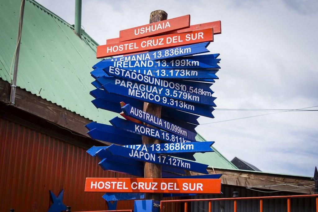 Ushuaia - Hostel Cruz del Sur - Placa de distâncias