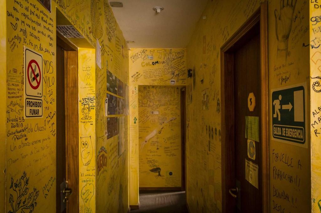 Ushuaia - Hostel Cruz del Sur - Relatos nas paredes