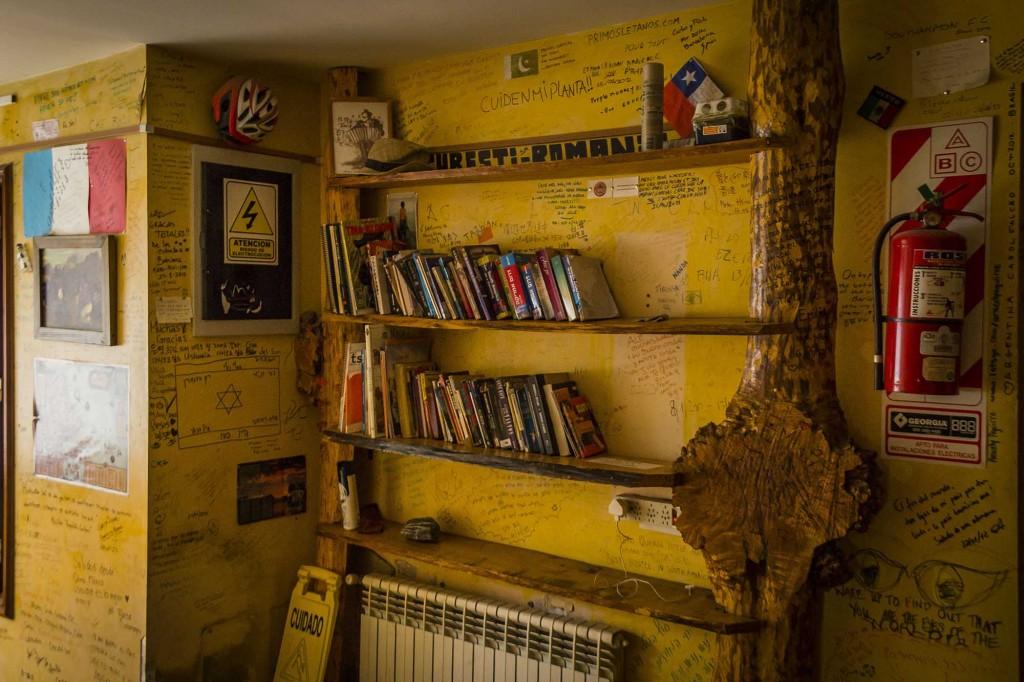 Ushuaia - Hostel Cruz del Sur - Troca de livros