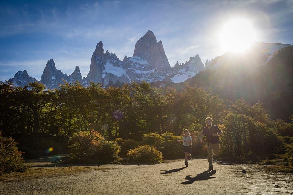 El Chaltén - Trilha para Laguna de Los Tres - Nós e o pôr do sol no caminho
