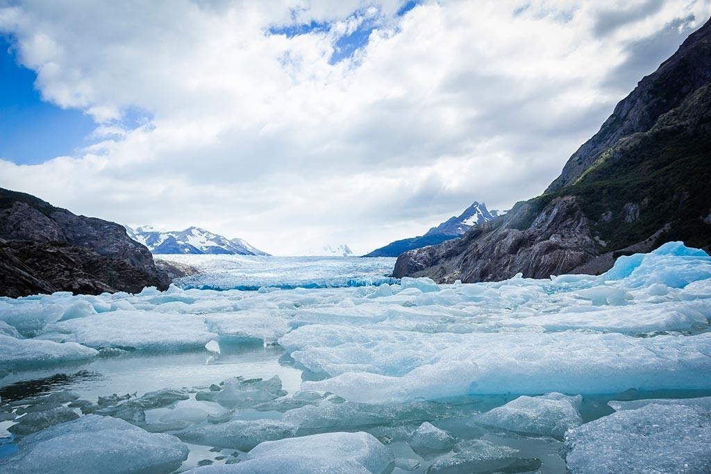 Torres del Paine - Grey para Paine Grande - Lago Grey com Glaciar ao fundo