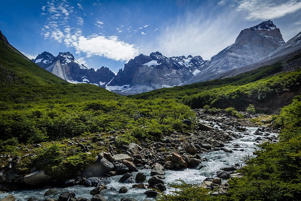 Torres del Paine - Trilha Italiano para Britanico - Montanhas ao fundo 2
