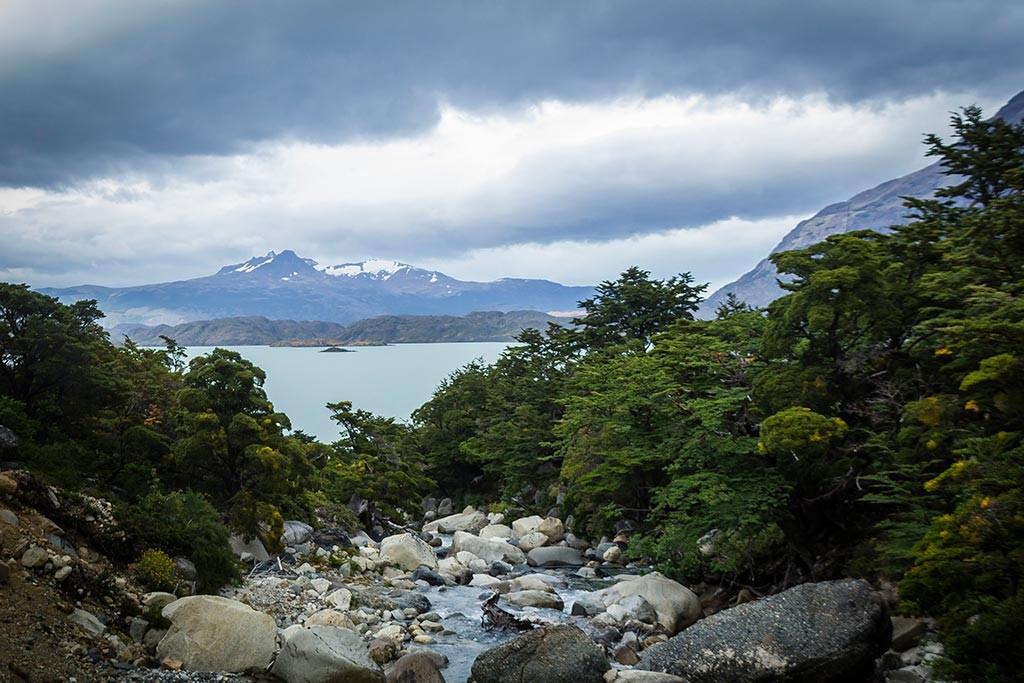 Torres del Paine - Trilha Los Cuernos para Chileno - Vista para o lago