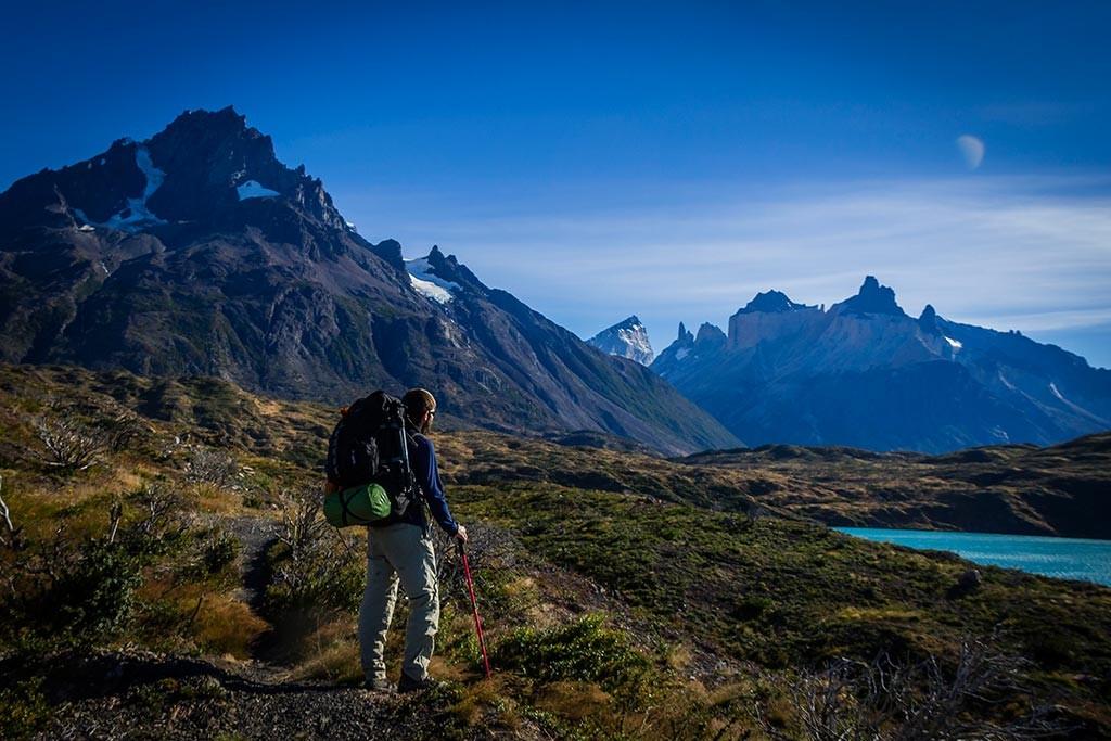 Torres del Paine - Trilha Paine Grande para Las Carretas - Vista para Paine Grande e Cuernos com Diego