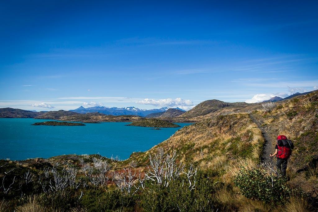 Torres del Paine - Trilha Paine Grande para Las Carretas - Vista para lago Pehoé e montes ao fundo
