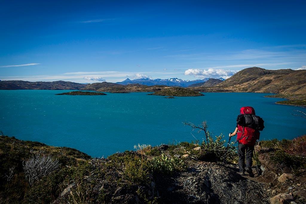Torres del Paine - Trilha Paine Grande para Las Carretas - Vista para lago Pehoé e montes ao fundo 2