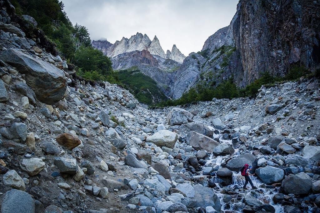 Torres del Paine - Trilha Paso para Grey - Cruzando o rio
