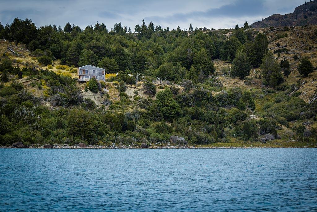 Puerto Rio Tranquilo - Navegação Cavernas de Mármore - Casa com vista para o lago