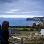 Chiloé - Vista do mirante para a cidade de Achao e o mar