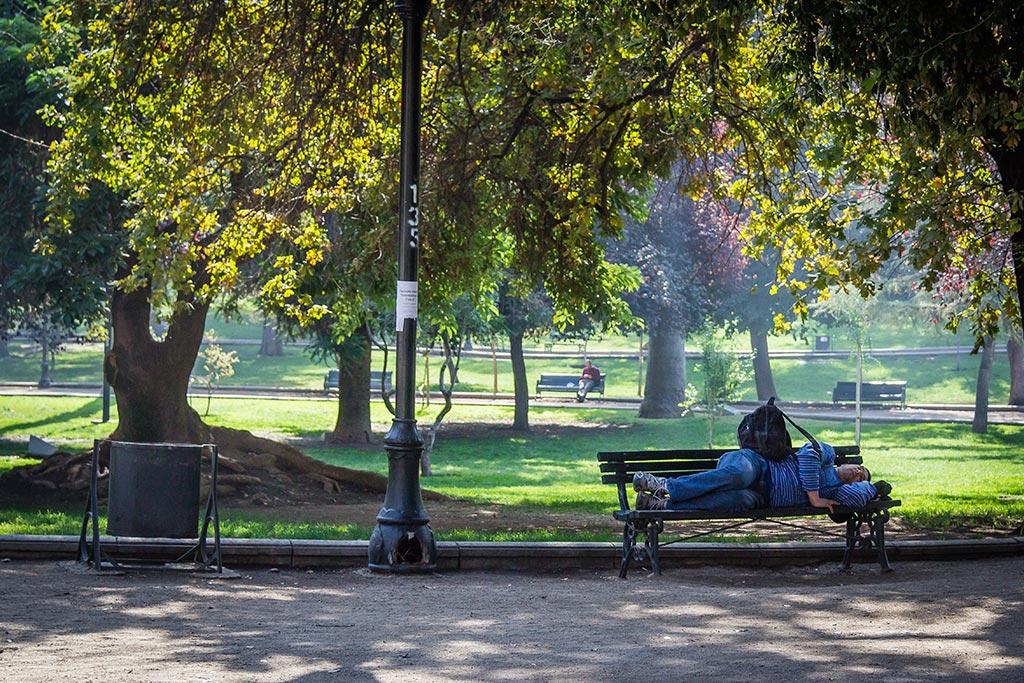 Santiago - Dormindo no parque