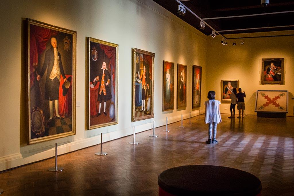 Santiago - Pinturas no Museu de Belas Artes
