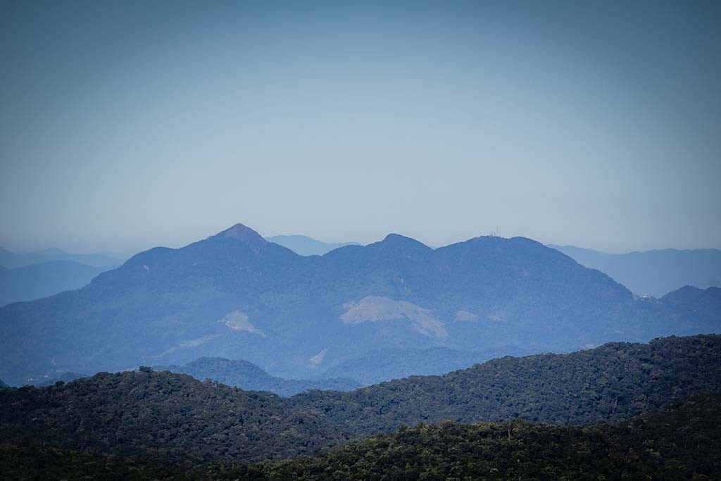 Trekking Castelo dos Bugres - Vista para os três picos de Jaraguá