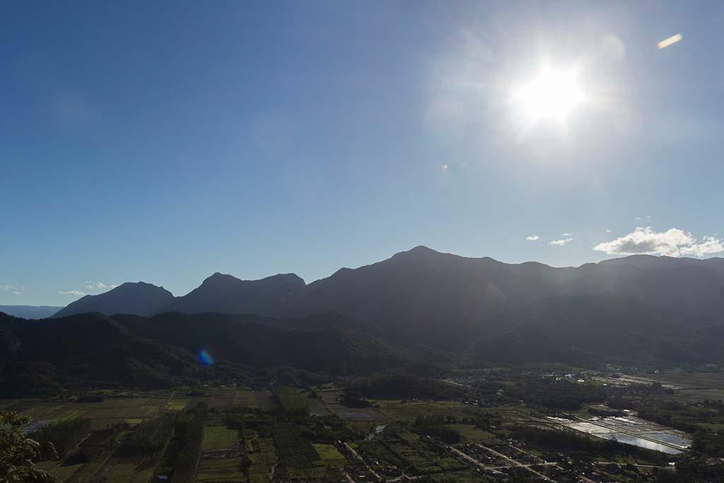 Pedal e Trekking Morro Pelado - Schroeder - Sol e vale vistos do cume