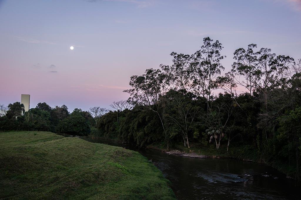 Preparação para a viagem - Pedal de treino - Lua e rio na divisa com Guaramirim
