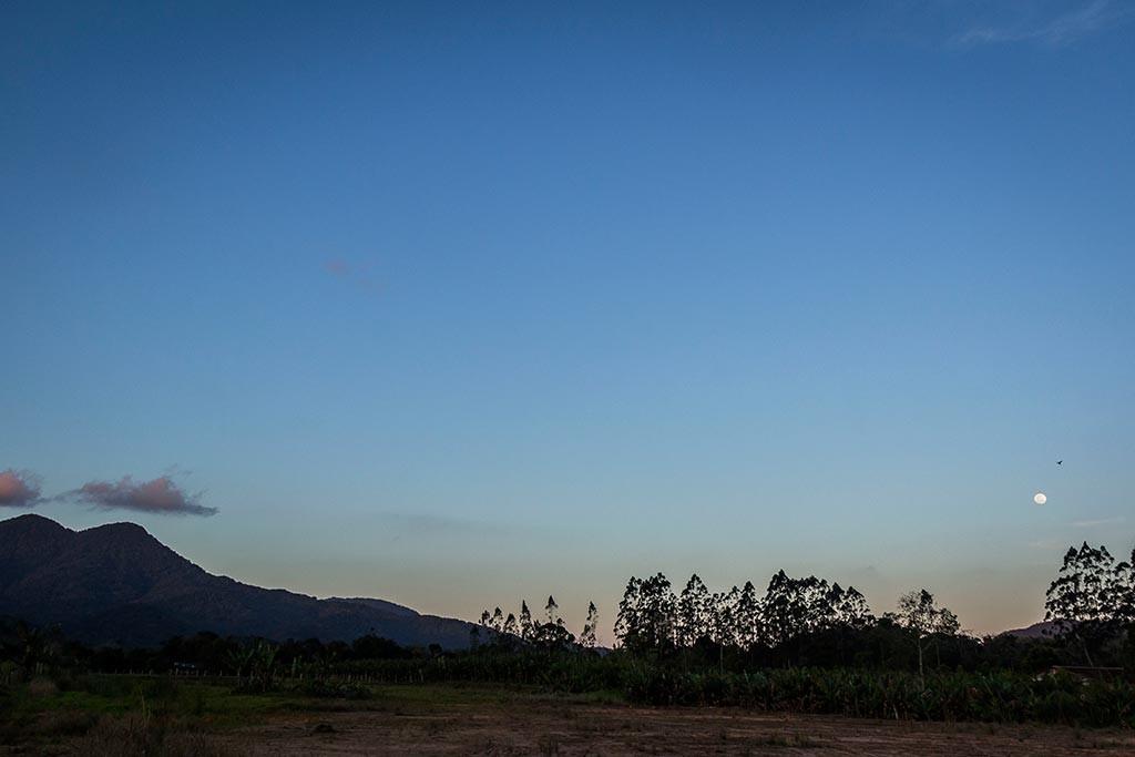 Preparação para a viagem - Pedal de treino - Lua no horizonte