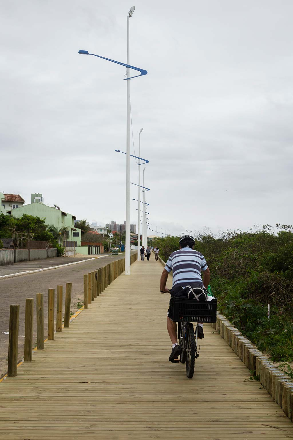 Cicloturismo litoral norte de SC - Dia 2 - Calçadão de madeira em Piçarras
