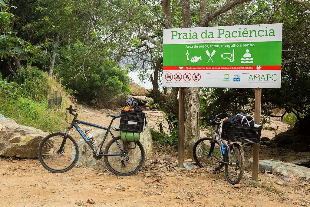 Cicloturismo litoral norte de SC - Dia 2 - Chegada na Praia da Paciência