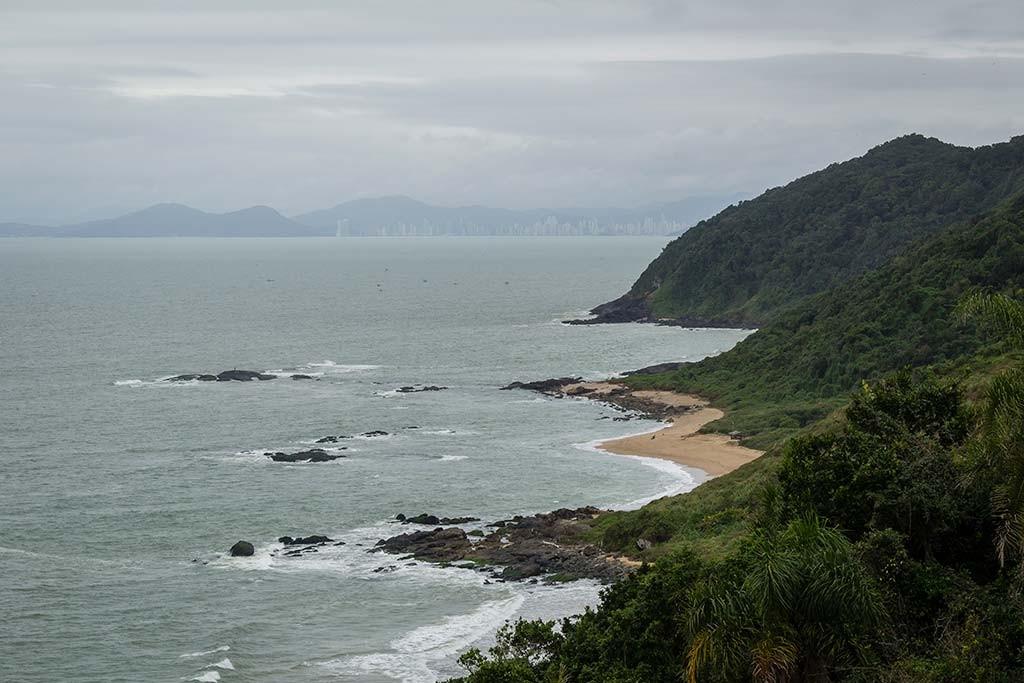 Cicloturismo litoral norte de SC - Dia 2 - Mirante Rua do Turismo - Vista para Praia Vermelha