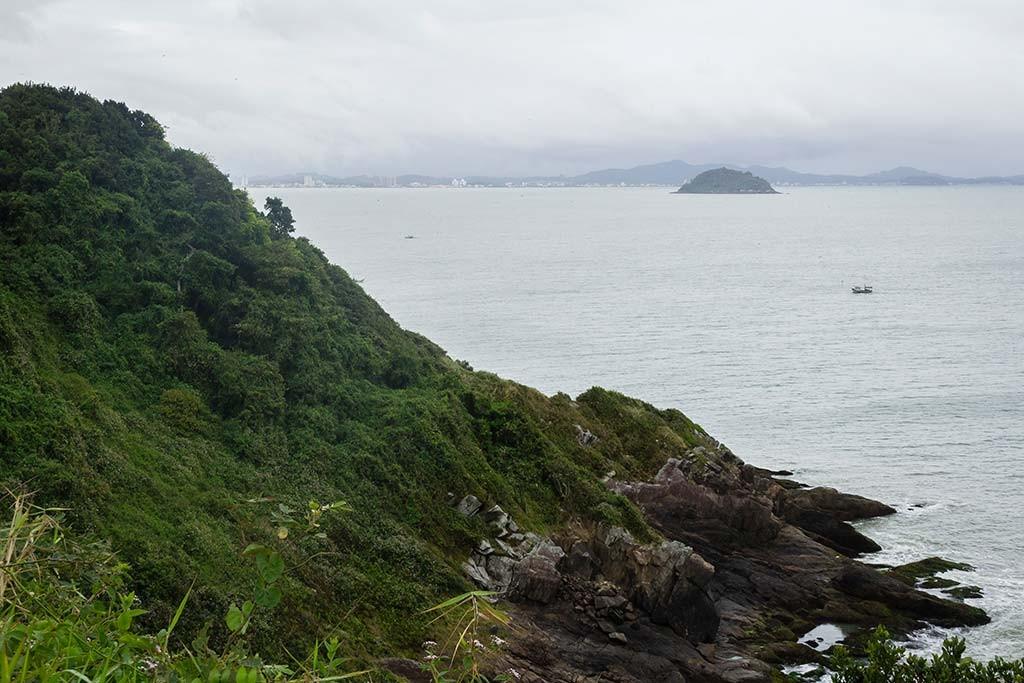 Cicloturismo litoral norte de SC - Dia 2 - Ponta do Vigia - Vista para Penha