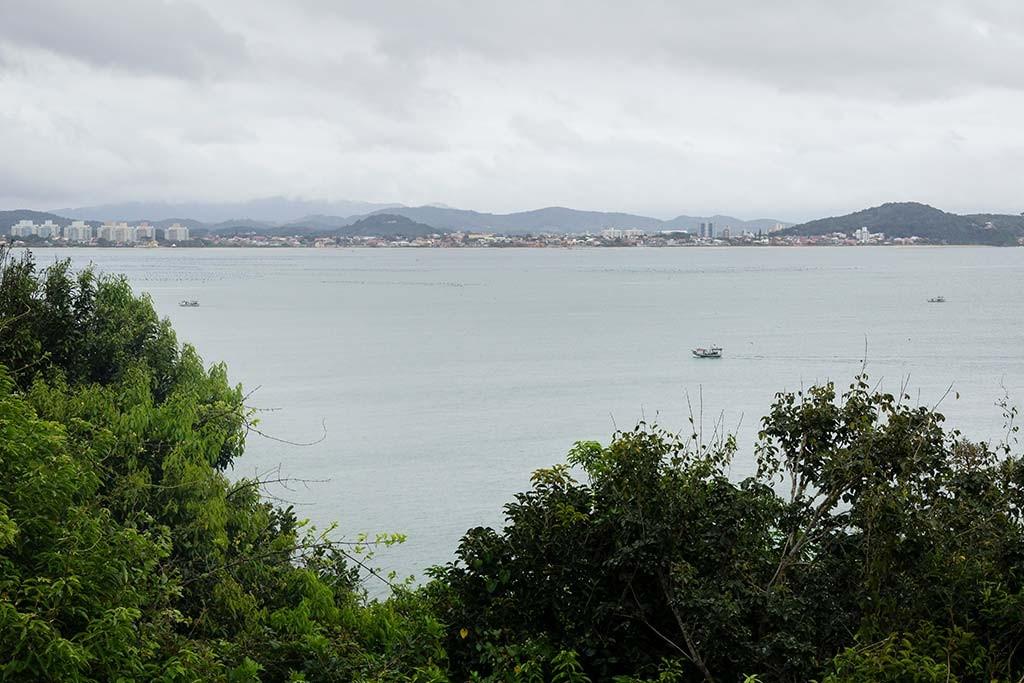 Cicloturismo litoral norte de SC - Dia 2 - Ponta do Vigia - Vista para Penha 2