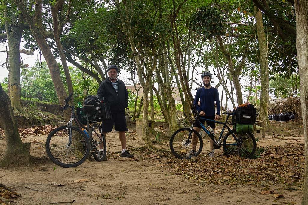 Cicloturismo litoral norte de SC - Dia 2 - Saída do Camping