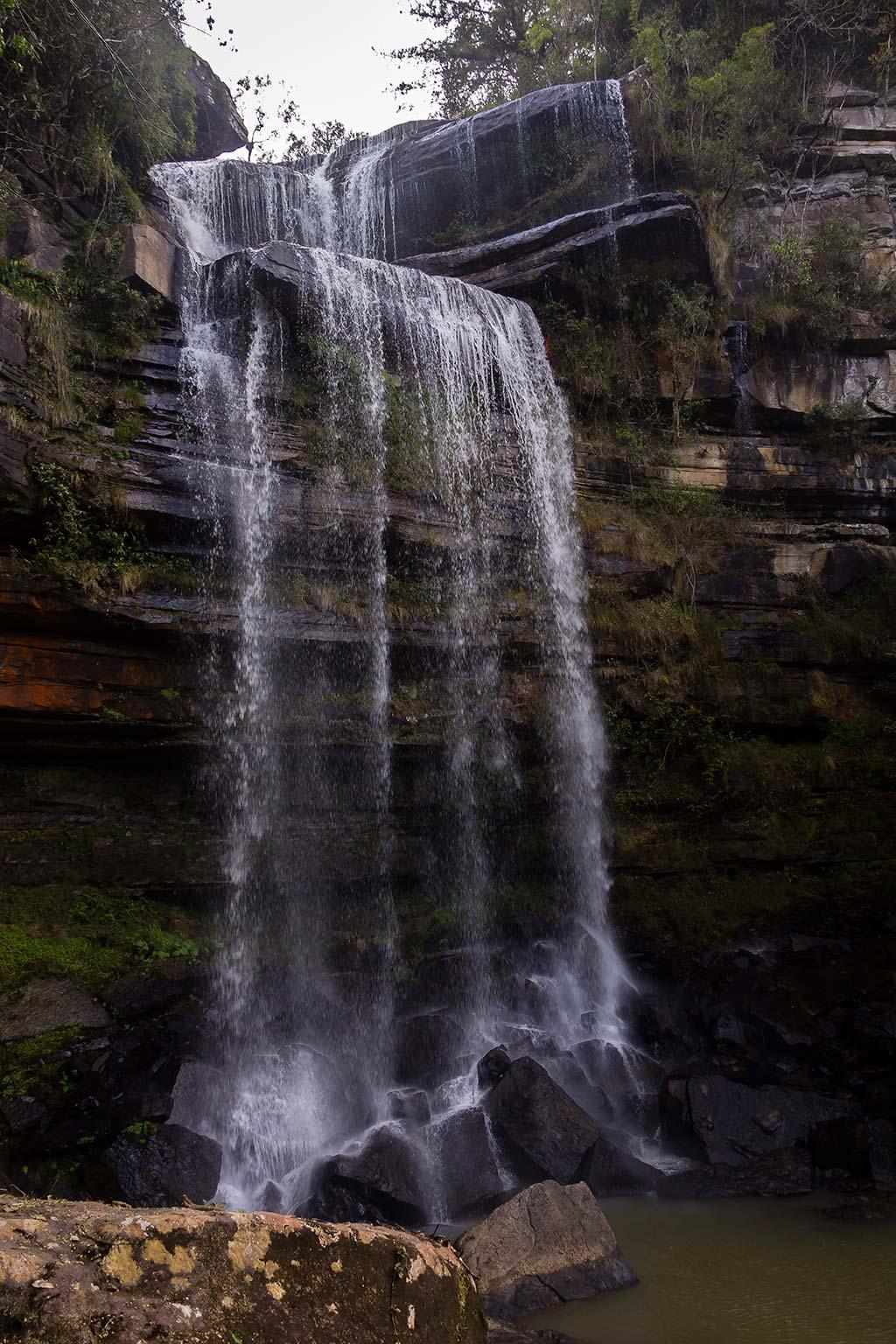 Circuito Vale Europeu - Dia 3 - Rio dos Cedros - Cachoeira Gruta do Índio vista de baixo