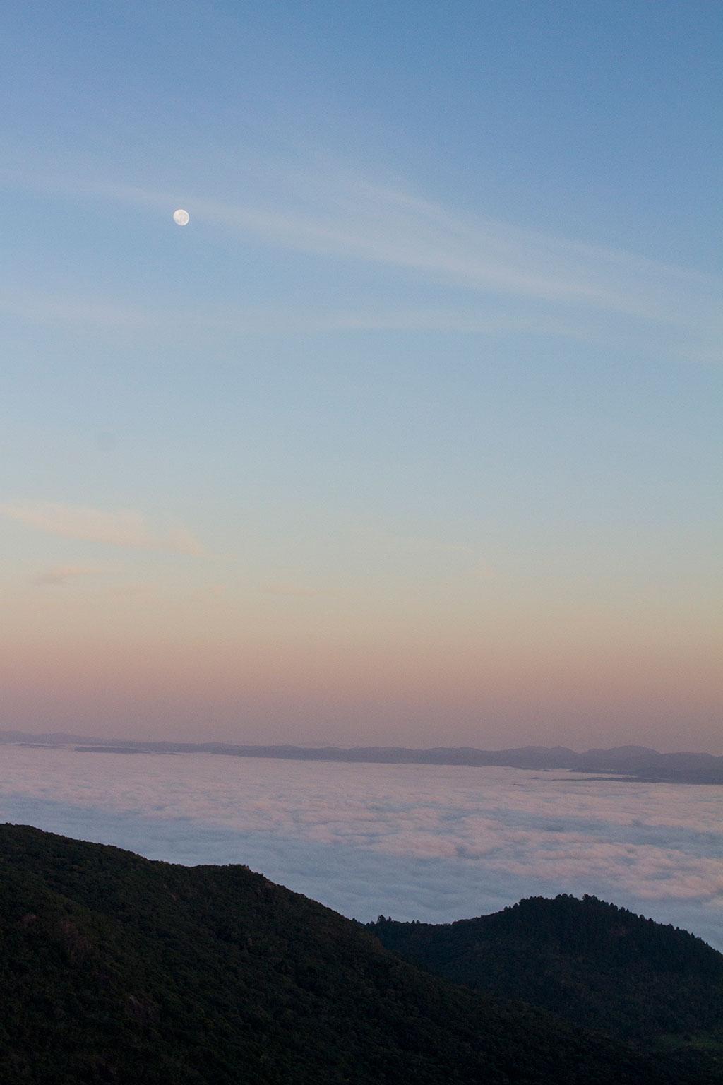 Dia nascendo - Trilha Pico Paraná 1