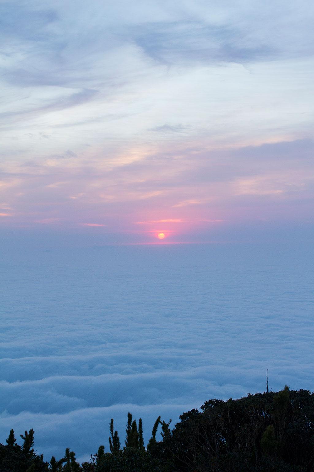 Sol nascendo - Cume Pico Paraná 5