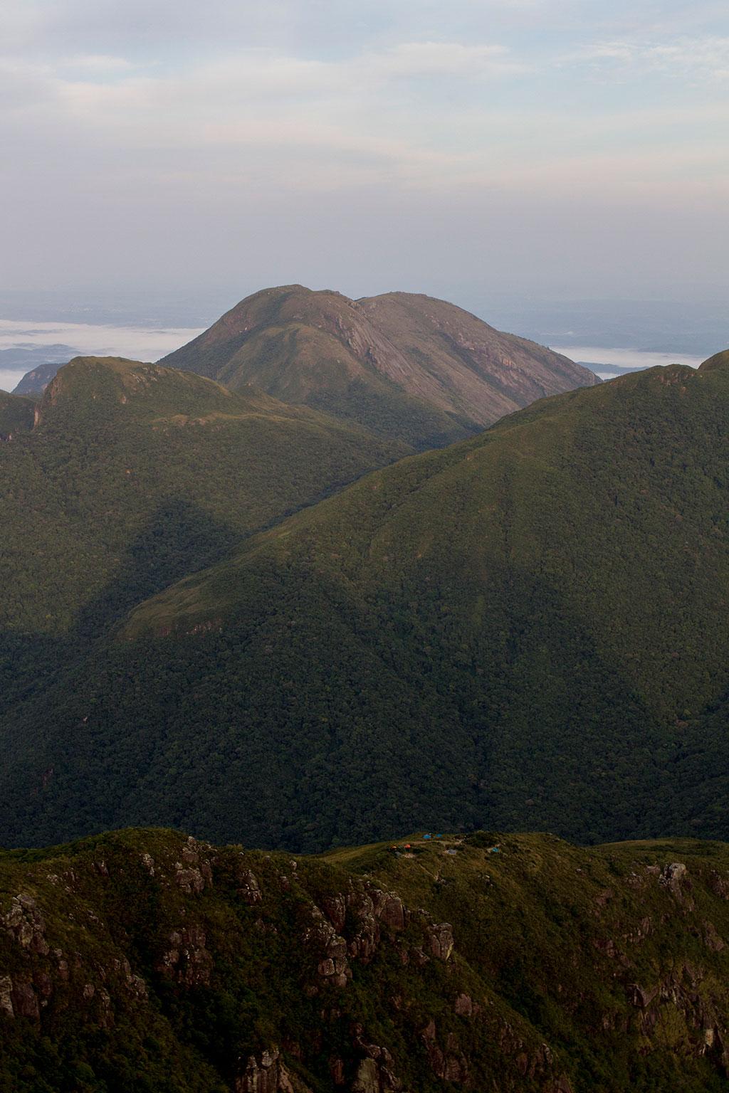 Vista para acampamento A2 - Pico Paraná
